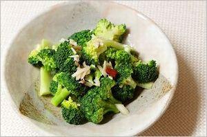 ブロッコリーのペペロンチーノ風サラダ