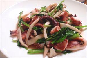 小松菜とタコの炒め物